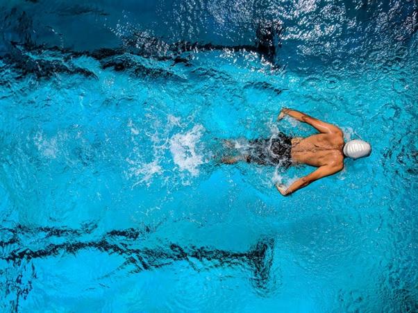 Γιατί το κολύμπι θεωρείται η καλύτερη γυμναστική; Όλα όσα πρέπει να γνωρίζετε!